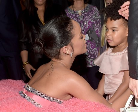 Rihanna and Blue Ivy Grammy Awards 2015