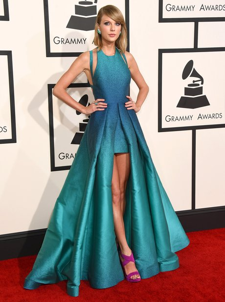 Taylor Swift arrives at the Grammy Awards 2015