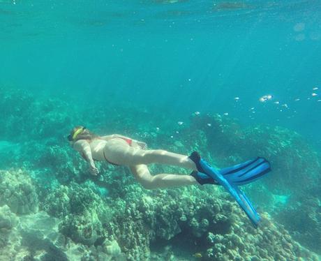 Iggy Azalea snorkeling