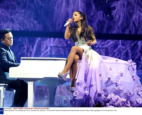 Ariana Grande 'Honeymoon' Tour