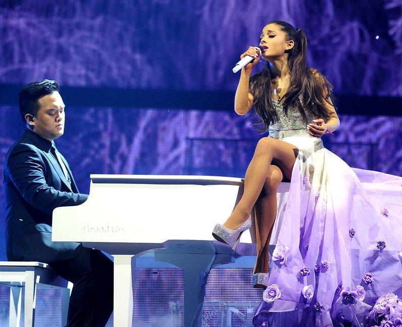 Ariana Grande 'Honeymoon' Tour