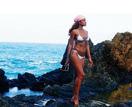 instagram Rihanna bikini