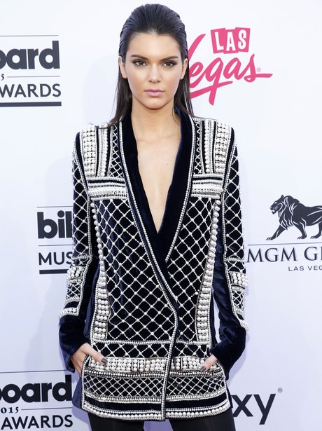 Kendall Jenner Billboard Music Awards 2015 Red Car