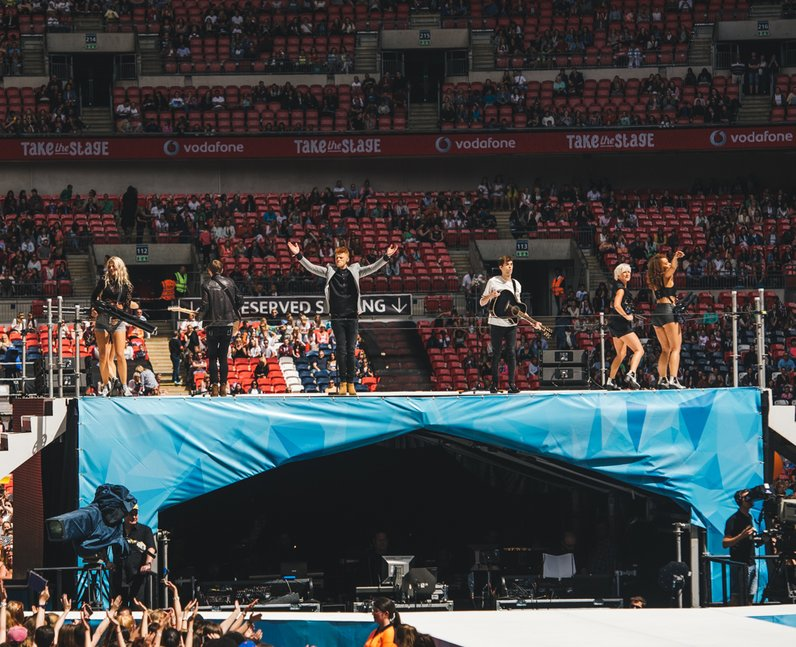 Cahoots Live Summertime Ball 2015
