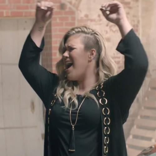 Kelly Clarkson - 'Invincible' Music Video
