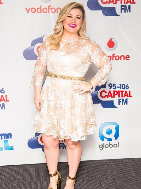 Kelly Clarkson Red Carpet Summertime Ball 2015