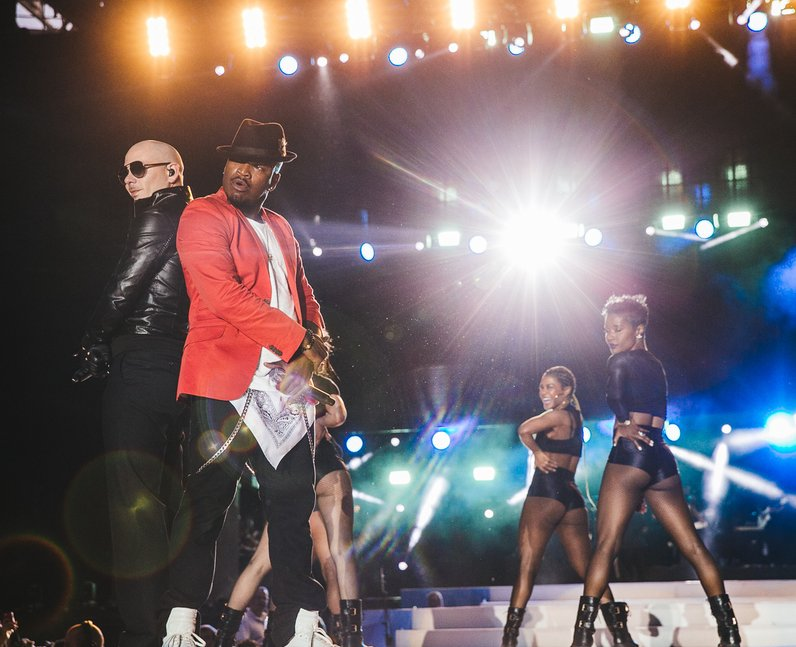 Ne-Yo and Pitbull Live Summertime Ball 2015