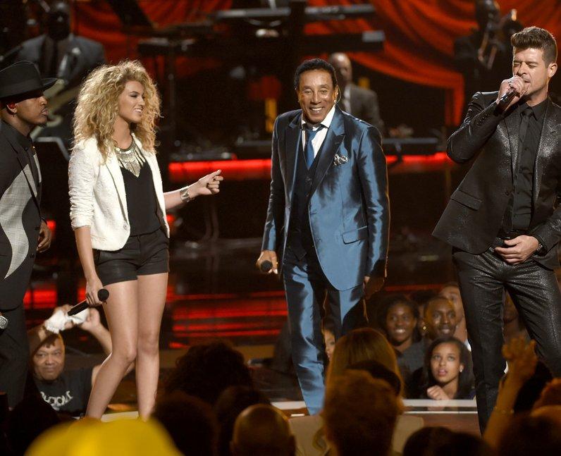 Ne-Yo, from left, Tori Kelly, Smokey Robinson and