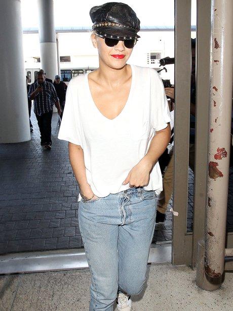 Rita Ora Hat Airport