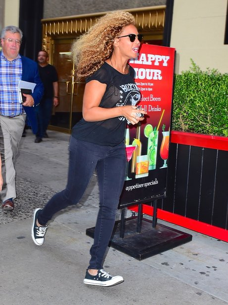 Beyonce running out of her recording studio