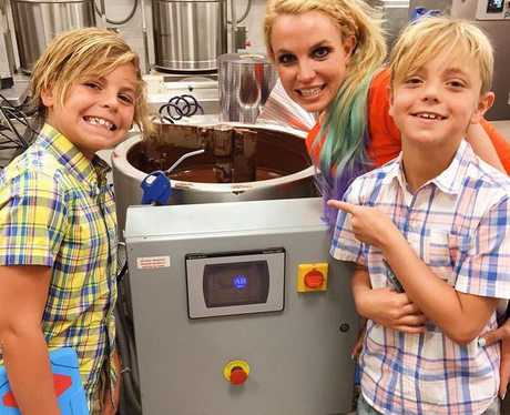 Britney Spears and children at chocolate factory
