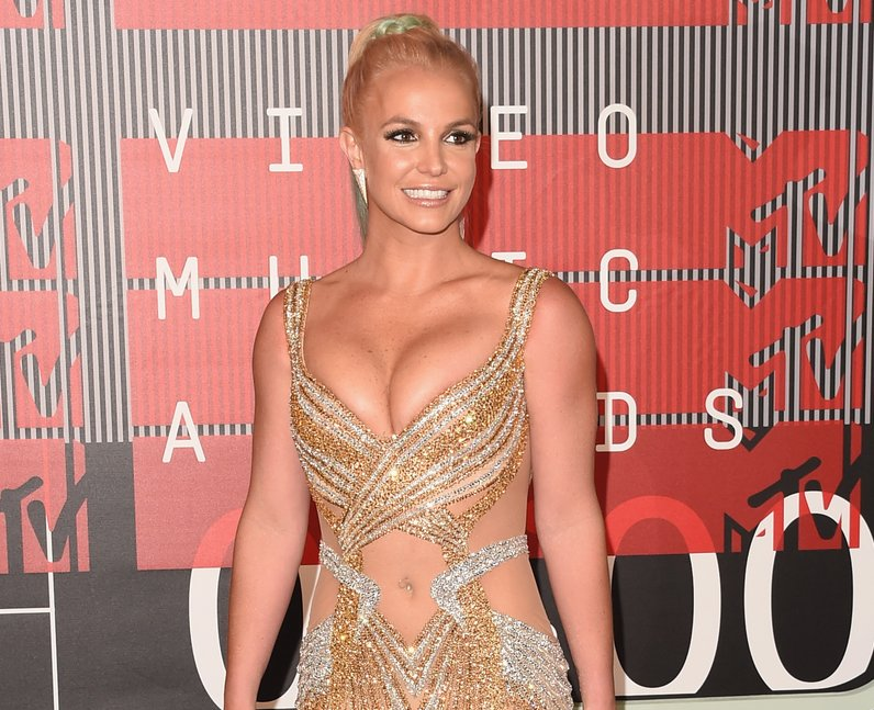 Britney Spears arrives at the 2015 MTV Video Music