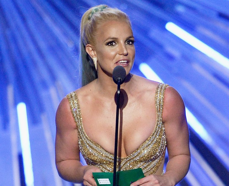 Britney Spears on stage at the MTV VMAs 2015