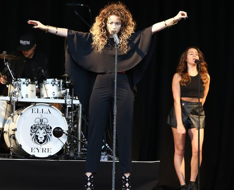 Ella Eyre performing