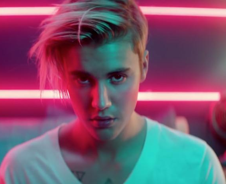 Justin Biebers Hair Transformations Of The What Do You Mean - Hairstyle of justin bieber 2015