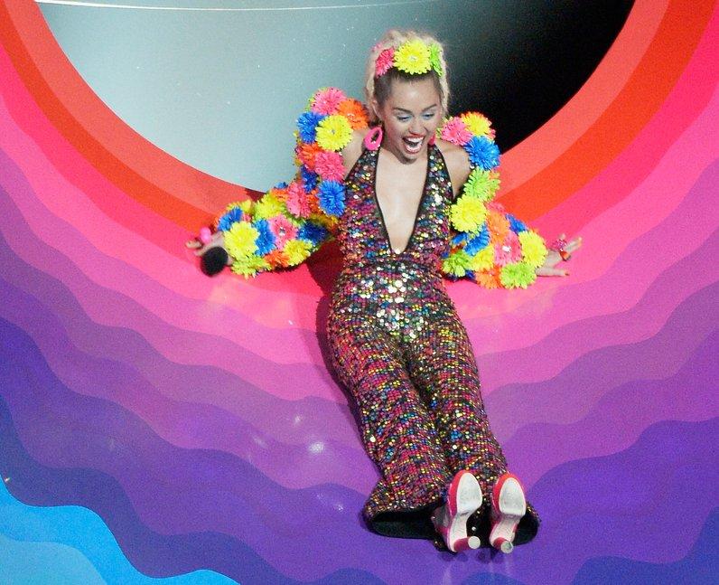 Miley Cyrus hosts the 2015 MTV VMAs in LA
