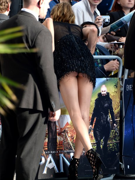 Cara Delevingne Flash Wardrobe Malfunction