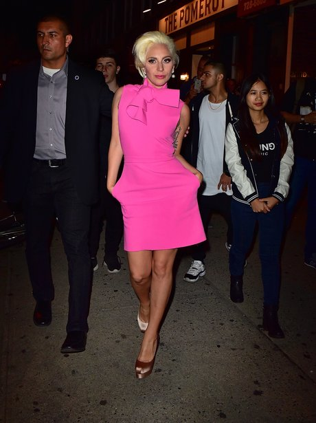 lady-gaga-pink-dress--1444208736-view-1.