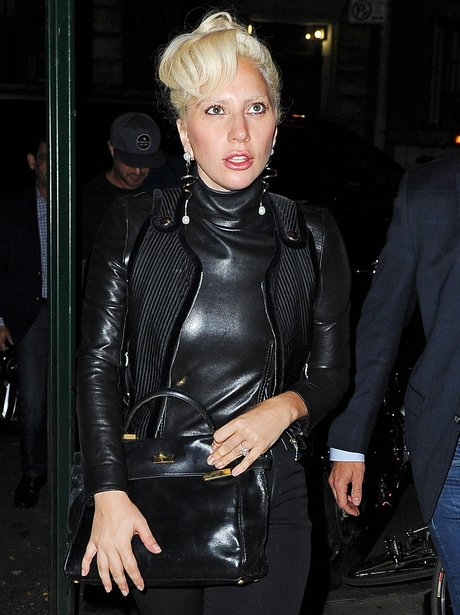 Lady Gaga no eyebrows