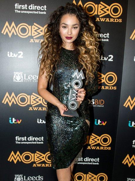 Ella Eyre MOBO Awards 2015 3