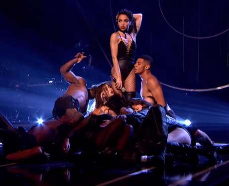 FKA Twigs Mobos performance