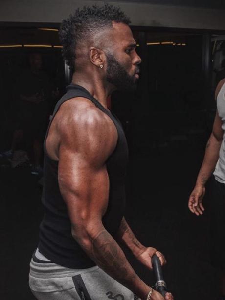 Jason Derulo working out
