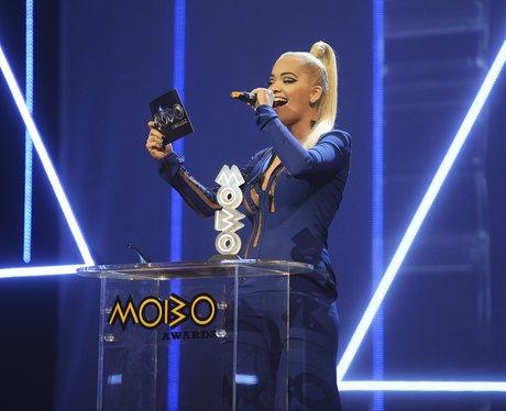 Rita Ora MOBO Awards 2015