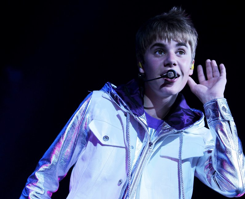 Justin Bieber performing young