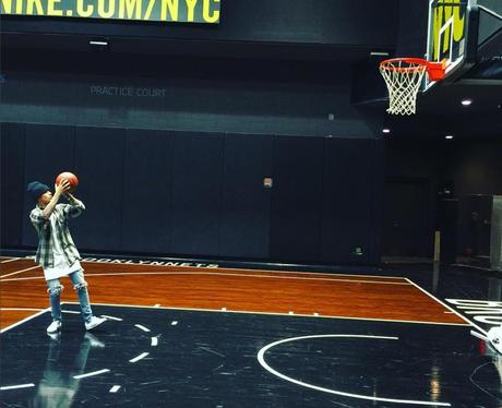 Justin Bieber playing Basketball