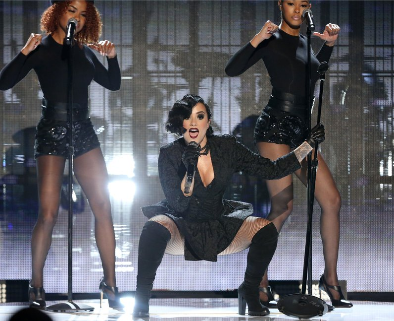 Demi Lovato American Music Awards 2015 Performance