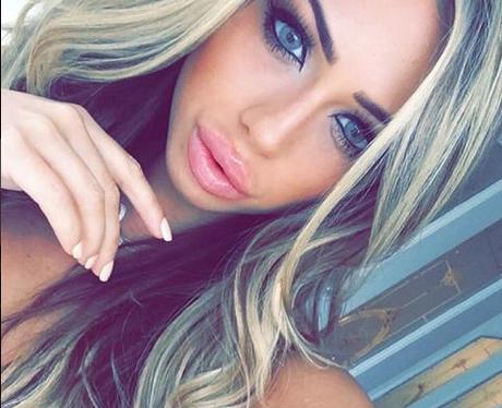 Holly Hagan Selfie