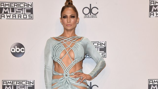 d16cab8472 Jennifer Lopez s Revealed Her Body Secrets So We re Stealing Them   Staying  Hot Forever