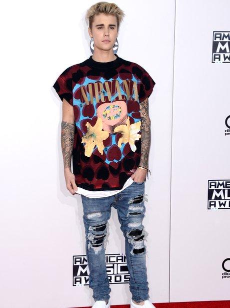 Justin Bieber at AMAs with Nirvana T-shirt