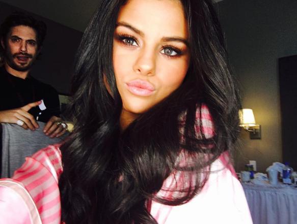 Selena Gomez Selfie Instagram
