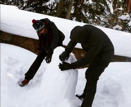 Taylor Swift and Calvin Harris make a snowman