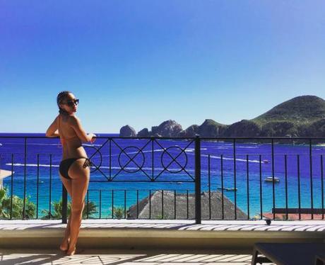 Leigh anne pinnock in Mexico Instagram