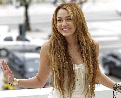 Braids, Mops And Crops\u2026 18 Of Miley Cyrus\u0027 ULTIMATE Hair