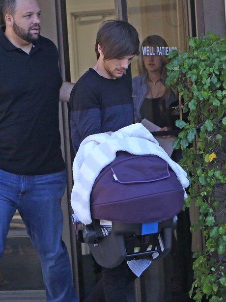 31 Must See Photos Of Louis Tomlinson S Baby Boy Freddie Reign Tomlinson Capital
