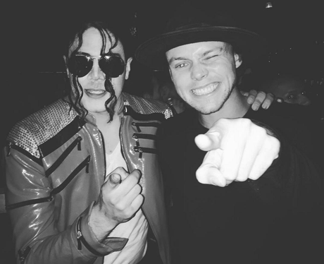 Ashton Irwin with Michael Jackson impersonator