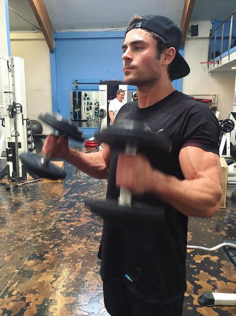 Zac Efron works out