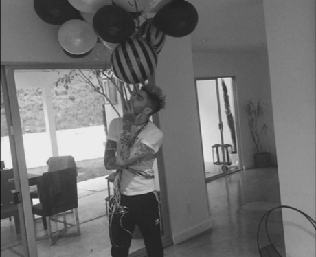 ZAYN celebrates US Number 1 with balloons