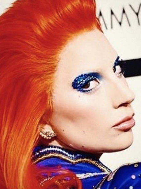 Lady Gaga pays tribute to Davie Bowie at The Grammy's