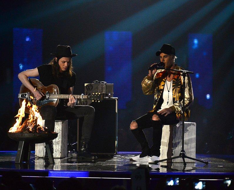 Justin Bieber and James Bay Brit Awards 2016 Live