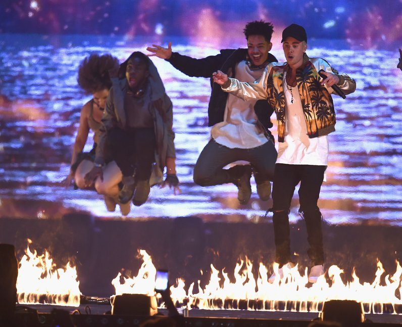 Justin Bieber The Brit Awards 2016 Live Performanc