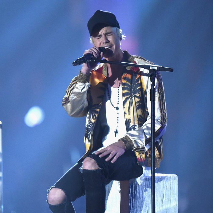 Justin Bieber The Brit Awards 2016 Live Performance