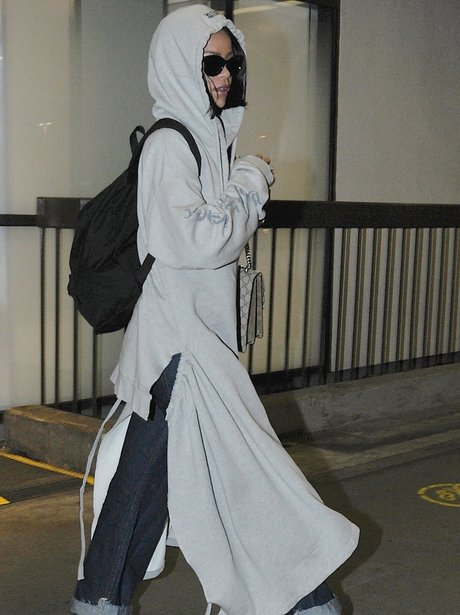 Rihanna returns to LA at LAX in Los Angeles, CA