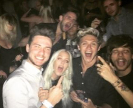 Niall Horan and Louis Tomlinson reunite for night