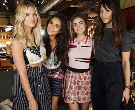 Pretty Little Liars girls reunite