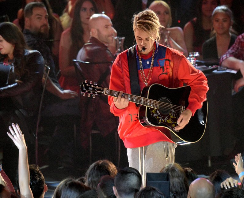 Justin Bieber performs at iHeart Radio awards