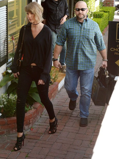 Taylor Swift goes shopping